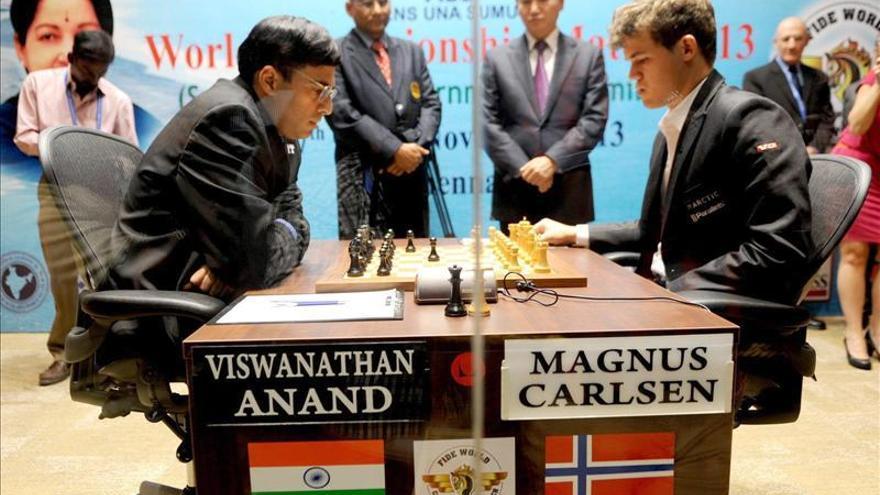Anand y Carlsen firman también tablas en la tercera partida