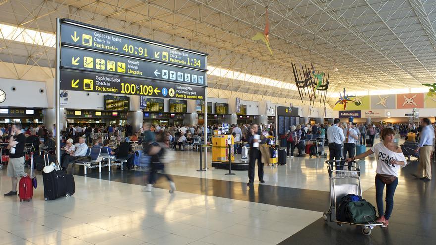 Pasajeros en el Aeropuerto de Gran Canaria