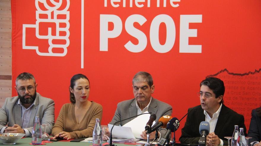 Miguel Ángel Pérez, Patricia Hernández, Ignacio Rodríguez y Pedro Martín (derecha), en el acto socialista de este miércoles en La Matanza