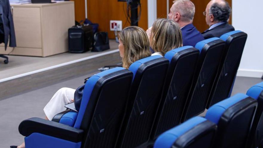 El PP fracasa en su intento de abandonar el banquillo de los acusados en el juicio por los ordenadores de Bárcenas