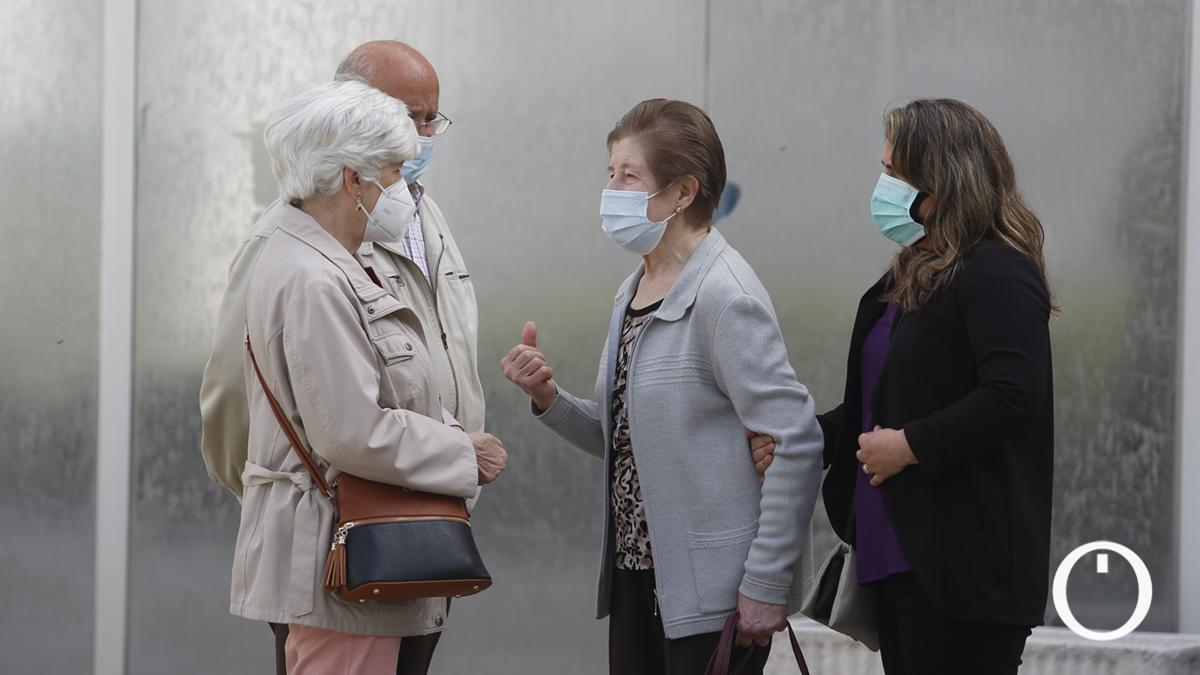 Colas en el Centro de Salud Levante Sur