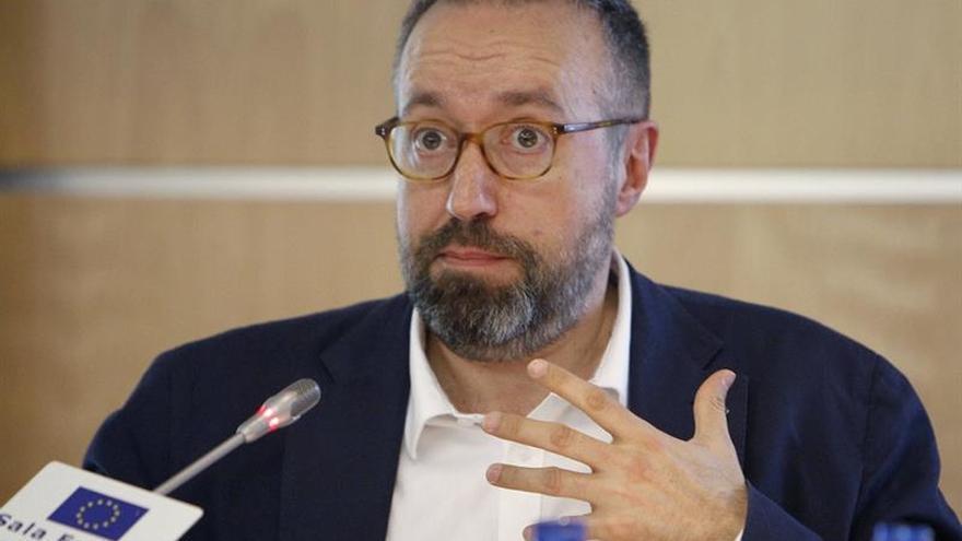 Girauta: C's solo apoyaría un presidente del PP si Rajoy no fuera candidato