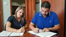 Firma del contrato de obra.