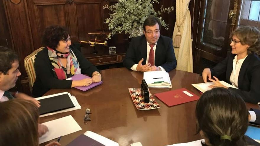 Reunión en Madrid de Vara con la ministra Tejerina / Junta