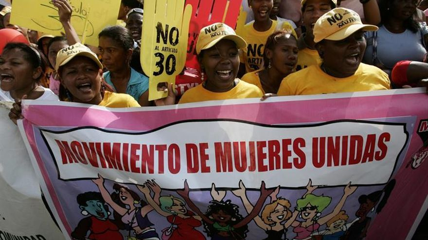 Mujeres se manifiestan a favor del aborto en la República Dominicana