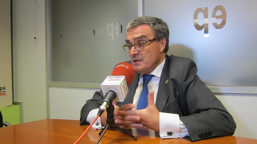 """Ros cree que apartar al PSC de la dirección del PSOE sería """"un error político"""""""