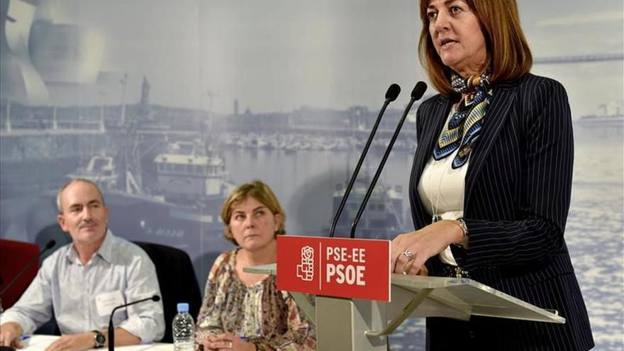 """Mendia (PSE) ve a los catalanes """"desprotegidos"""" por sus instituciones"""