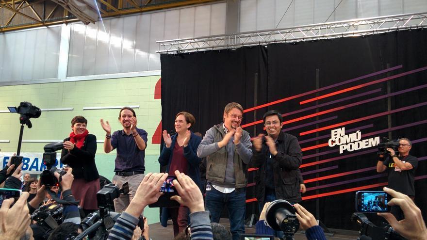 Pablo Iglesias, Ada Colau, Xavi Domènech, Gerardo Pisarello y Laia Ortiz, en el acto de Badalona.