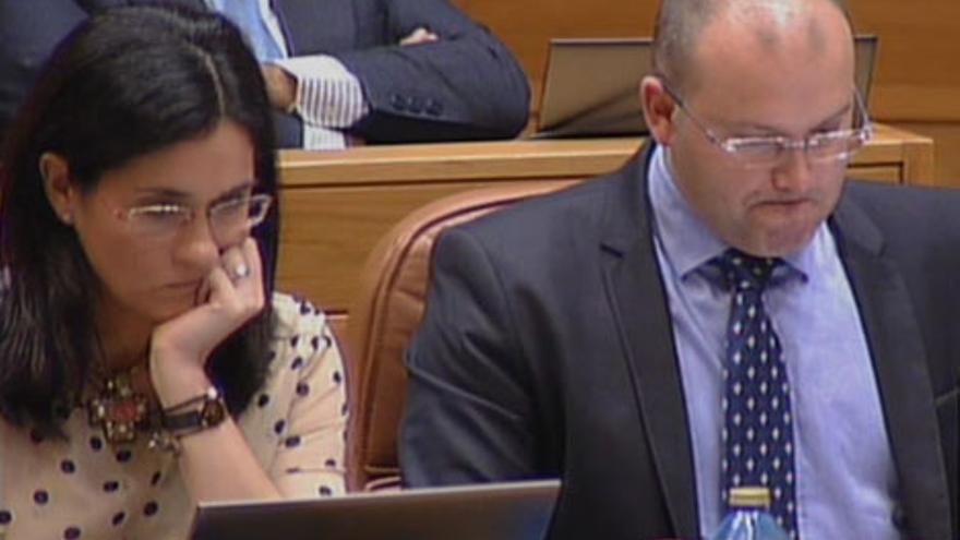 Tellado, junto a Paula Prado durante el debate en el Parlamento
