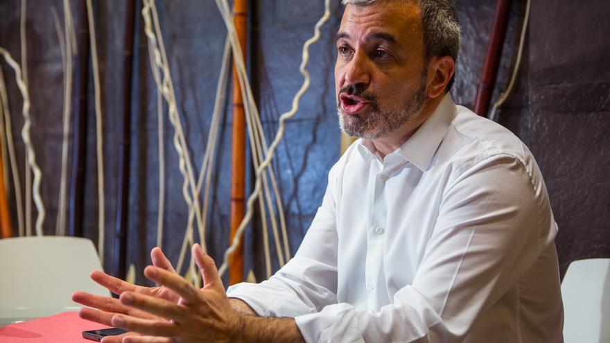 Jaume Collboni el primer dia de campanya electoral municipal / ENRIC CATALÀ
