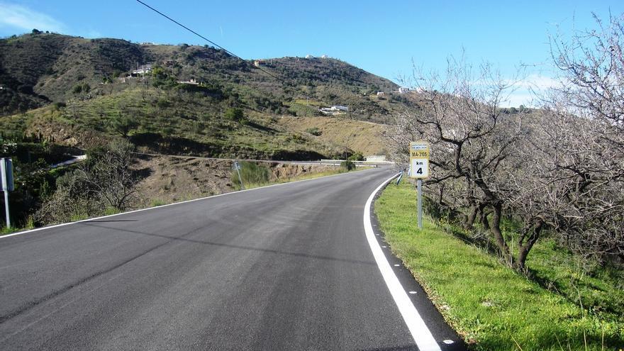 La Diputación invertirá 2,1 millones de euros en la mejora de las carreteras de la Axarquía
