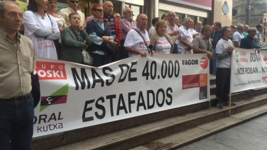 Una concentración de Bizkaiko Minduak, en la plaza Circular de Bilbao.