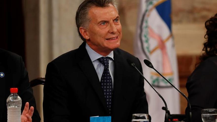 La imagen de Macri cae por los conflictos sociales y la economía, según una encuesta