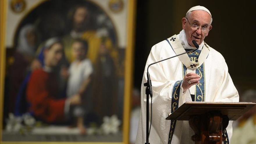 """El papa apoya a los inmigrantes y dice que """"encontrarán"""" su lugar en EE.UU."""
