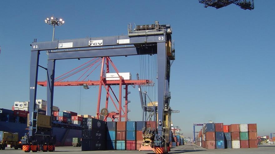 Las exportaciones de Cantabria caen un 9,2% interanual hasta octubre