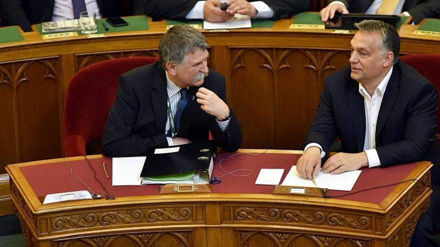 El Parlamento húngaro aprueba la polémica ley contra la universidad fundada por Soros