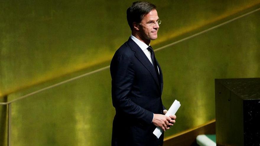 Holanda mantendrá colaboración con Merkel y Bélgica alerta de la extrema derecha