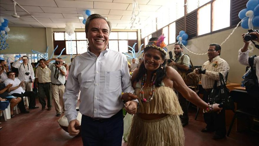 Telefónica instala red de fibra óptica en la selva norte de Perú