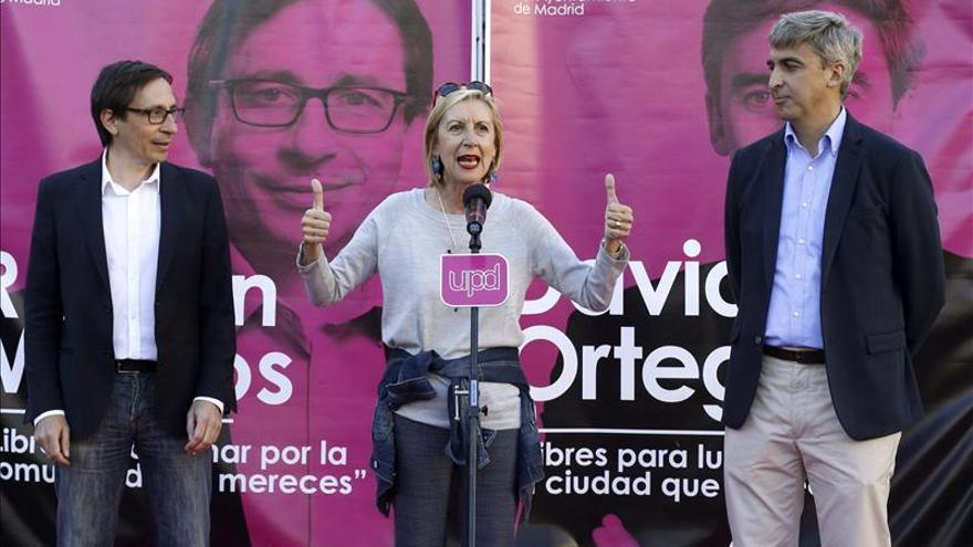 """Rosa Díez llama a ser """"condenadamente optimistas"""" y a """"votar magenta"""""""