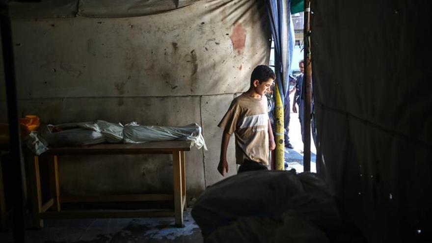 Aumentan a 104 los muertos por bombardeos turcos en la ciudad siria de Al Bab