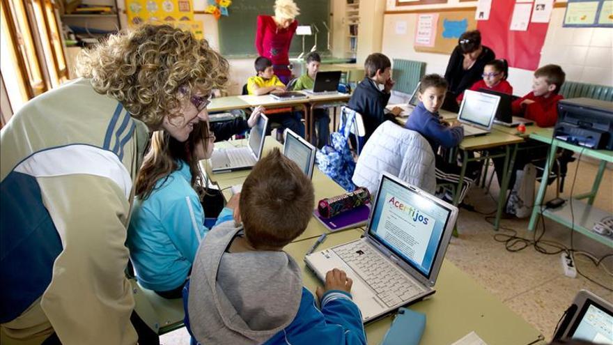 Madrid y Murcia, las comunidades con menos ordenadores por alumno en clase