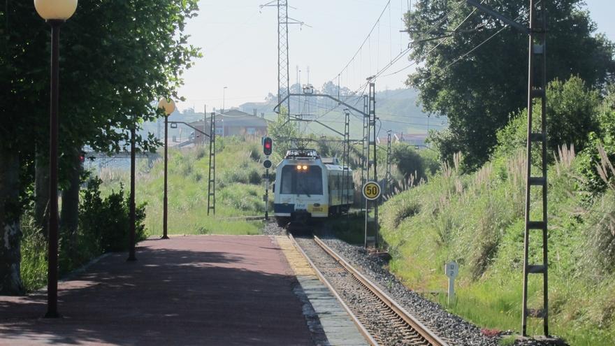 Fomento instalará rampas eléctricas en 16 trenes de cercanías FEVE en Cantabria