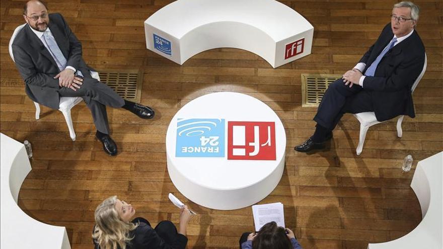 Juncker y Schulz discrepan sobre las causas de la crisis en el primer debate
