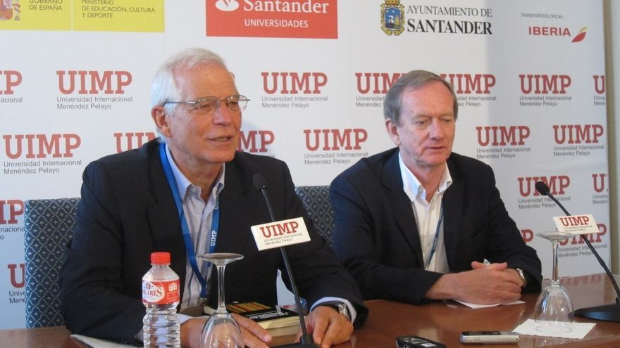 """Borrell cree que los órganos del PSOE """"tendrán que abordar"""" si hay """"debate interno"""" sobre la investidura de Rajoy"""