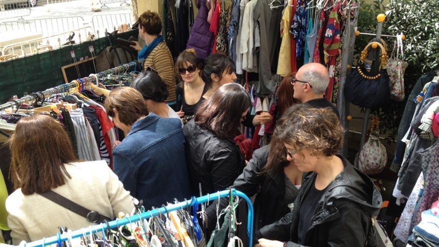 Una de las ediciones del mercado de segunda mano de Alcalá de Henares. / Mugus Market