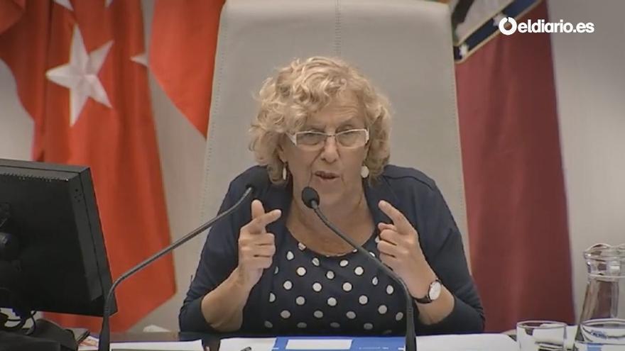 Manuela Carmena, en el pleno del Ayuntamiento de Madrid