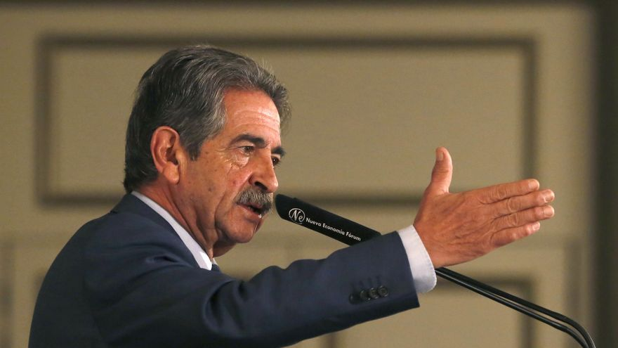 El presidente de Cantabria, Miguel Ángel Revilla.   LARA REVILLA