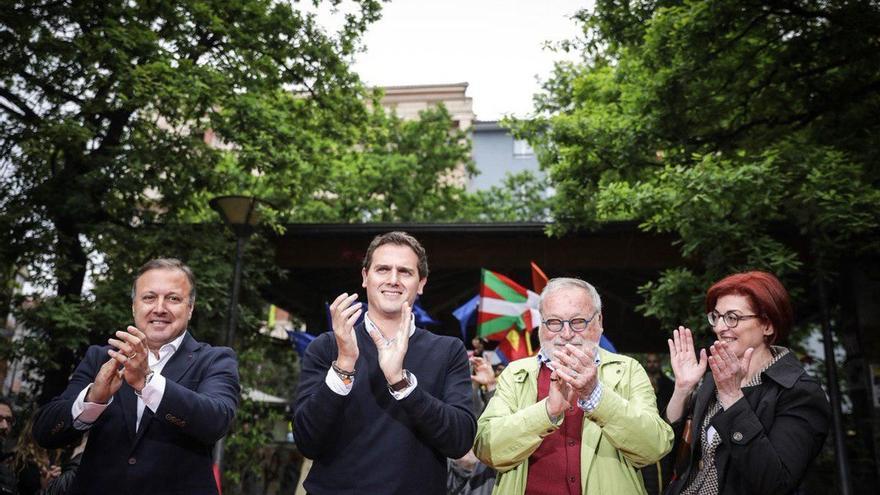 """Rivera, a los que le insultan en Rentería: """"Euskadi no es vuestro, es de todos los vascos y los españoles"""""""