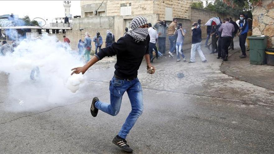 Un atacante palestino se entrega a las fuerzas de seguridad de la ANP