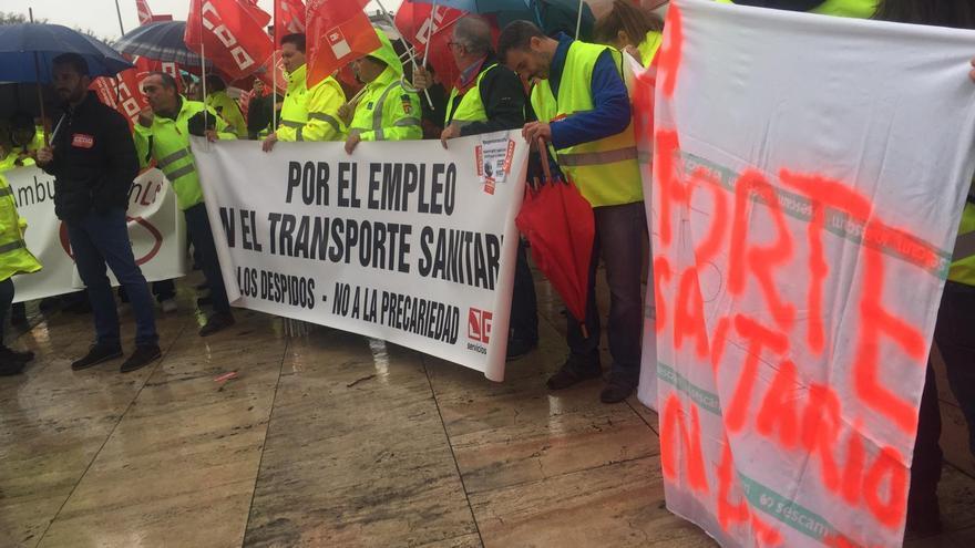 Manifestación de trabajadores de ambulancias en Toledo