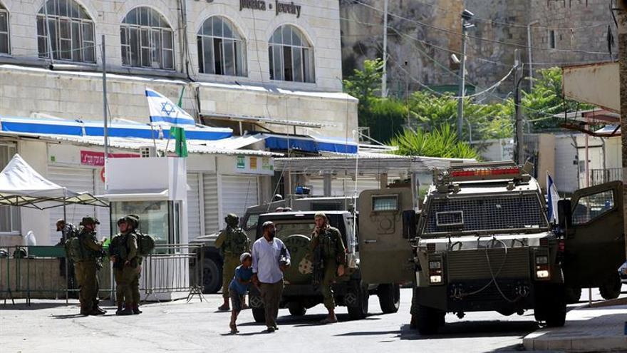 Muere una presunta atacante palestina en un control israelí en Hebrón