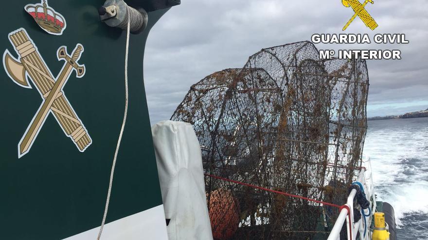 El Servicio Marítimo Provincial (SMP) de la Comandancia de Las Palmas ha intervenido durante el mes de junio 18 jaulas de pesca, o nasas, sin identificación alguna en la costa de la isla de Gran Canaria.