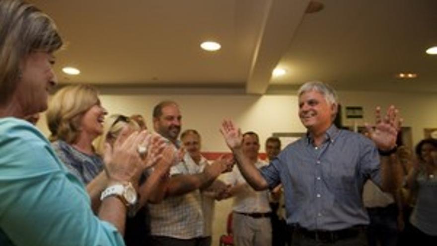 José Miguel Pérez será el candidato socialista a presidir el Gobierno de Canarias en 2011