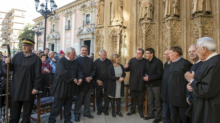 Imatge de la visita de Rodríguez al Tribunal de les Aigües