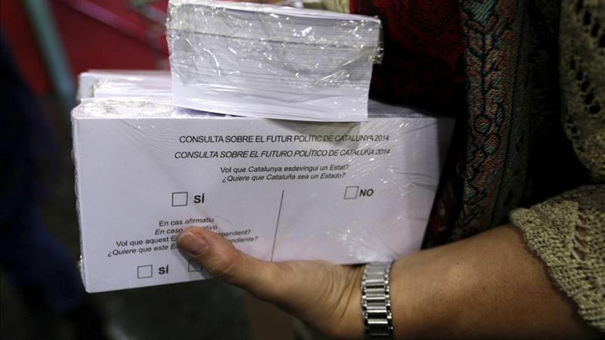El Govern y las entidades soberanistas convocan el 9N pese a la suspensión del TC