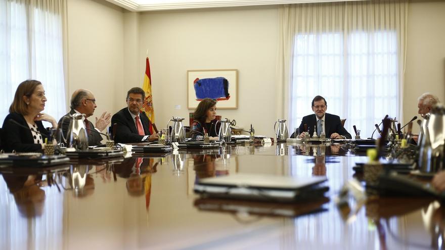 Rajoy comparecerá en Moncloa a las 12.25 para informar sobre el recurso al TC contra la declaración independentista