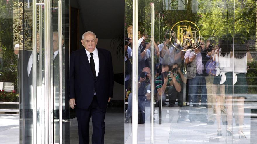 El presidente de El Corte Inglés, Isidoro Álvarez, antes del inicio de la junta general de accionistas en agosto de 2013. \ J.L. Pino - Efe