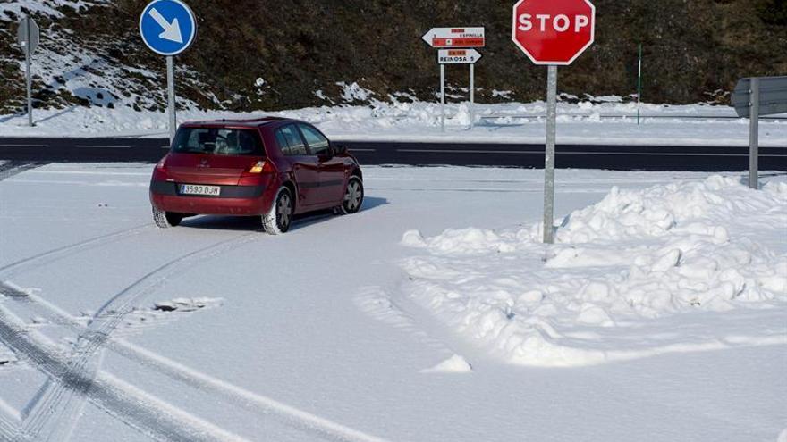 La nieve mantiene en alerta a 16 provincias de 8 comunidades