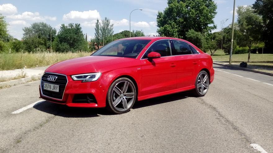 El Audi A3 Sedán mide 4,45 metros de longitud, 14 centímetros más que el Sportback del que deriva.