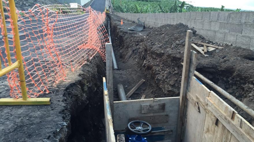 Durante 2017 se han llevado a cabo actuaciones en el conjunto de la red municipal de agua de abasto de Los Llanos, donde se han instalado reguladores de presión y realizado labores de detección y reparación de fugas.