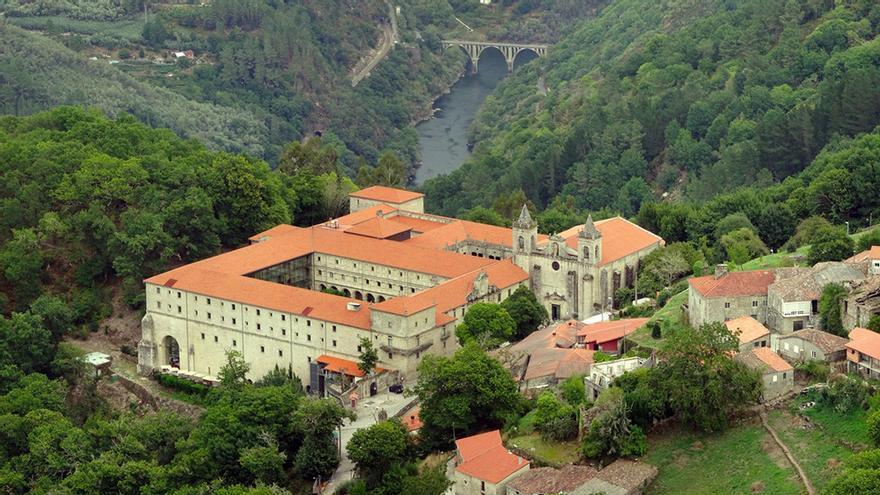 El monasterio de Santo Estevo, hoy convertido en Parador Nacional.