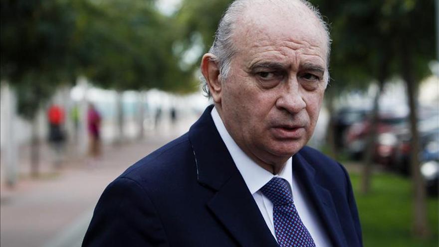 """F.Díaz ve """"irracional"""" depender de la CUP e insta a Mas a convocar elecciones"""