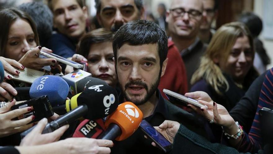 Pablo Bustinduy representará a Podemos en el funeral de Fidel Castro