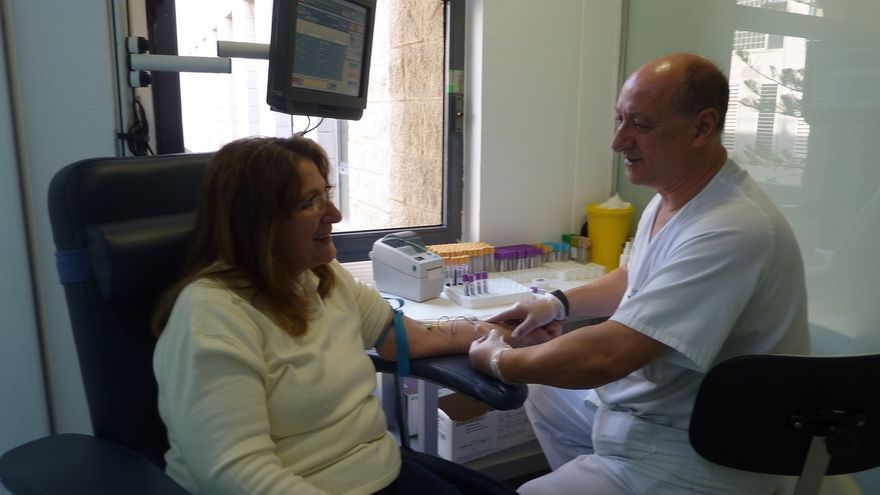 Aumenta un 1,8% el número de médicos colegiados en 2014 Cantabria y un 0,9% la cifra de enfermeros