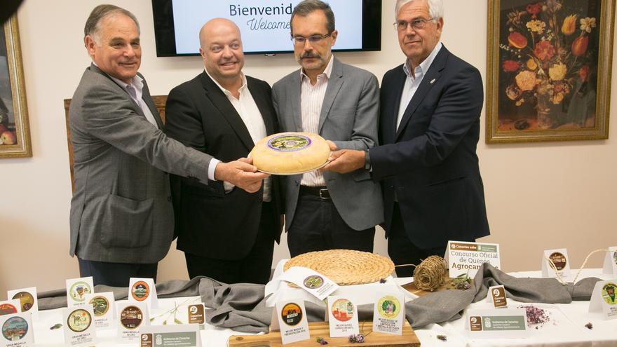 En la imagen,  el queso  ganador, Cortijo de Caideros de cuajo vegetal.
