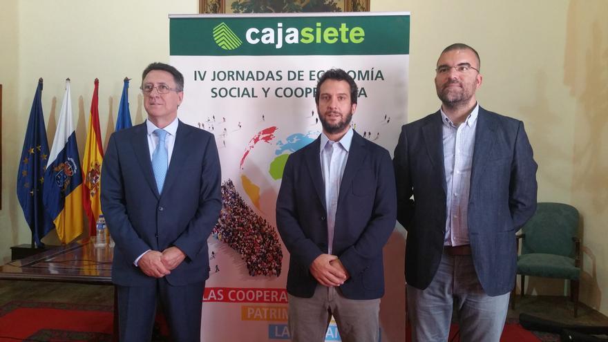 Fernando Berge (i), David Retana y Sergio Oyonarte, este miércoles. Foto: LUZ RODRÍGUEZ.